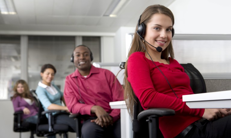 4 Ways a UK Based Call Handling Service Can Save You Money